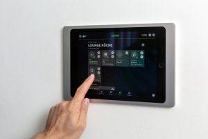 (c)Loxone_App-iPad-Lounge-Kitchen